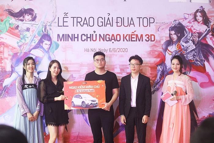 Ngạo Kiếm 3D tổ chức trao Ô tô Vinfast cho Ngạo Kiếm Minh Chủ 0