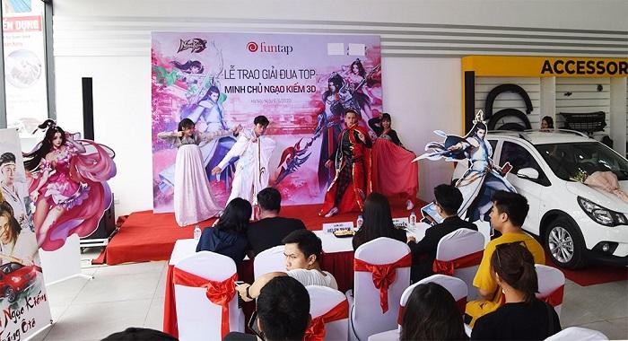 Ngạo Kiếm 3D tổ chức trao Ô tô Vinfast cho Ngạo Kiếm Minh Chủ 1