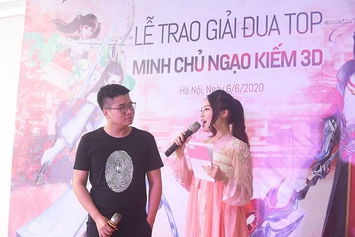 Ngạo Kiếm 3D tổ chức trao Ô tô Vinfast cho Ngạo Kiếm Minh Chủ 3