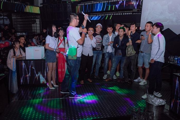 Đỉnh Phong Tam Quốc tổ chức offline tưng bừng mừng sinh nhật 1 tuổi 2