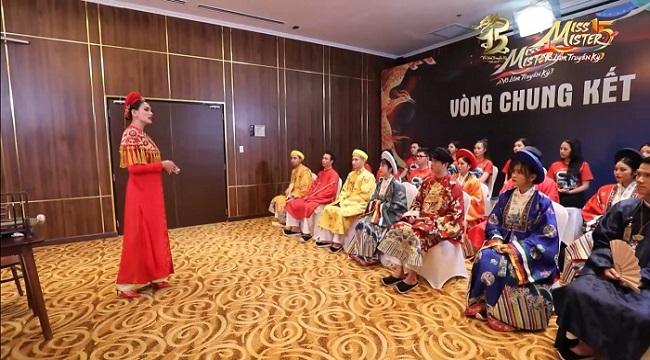 Miss & Mister VLTK 15: Tôn vinh nét đẹp văn hóa Việt trong thử thách chụp hình cùng cổ phục