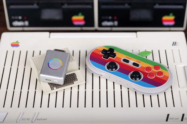Khi tay cầm chơi game mượn ý tưởng máy tính Apple 30 năm về trước 5