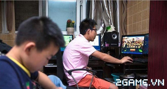 Thanh niên này chấp nhận bỏ việc văn phòng về quê cày game kiếm tiền nuôi gia đình 6