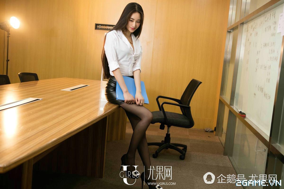 Nữ thư ký được thăng chức do biết chơi game online cùng với Sếp 22