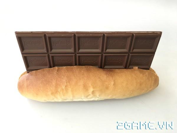 Xuất hiện quán net bán bánh mỳ kẹp chocolate cho khách vào ngày Valentine 0