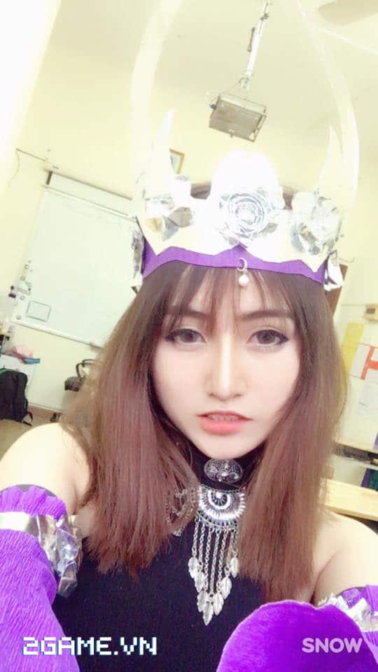 Gặp gỡ cô nàng nữ game thủ cosplay Ngũ Độc phái trong Võ Lâm Truyền Kỳ mobile 4
