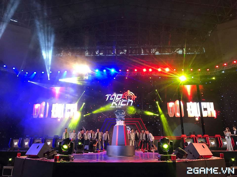 Hơn 3000 game thủ đến xem trận chung kết toàn quốc giải VPL 2017 4