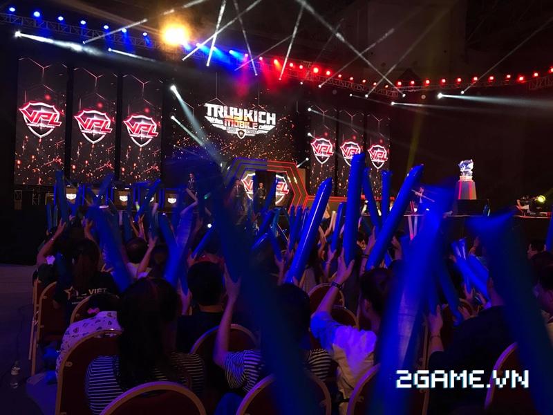 Hơn 3000 game thủ đến xem trận chung kết toàn quốc giải VPL 2017 2