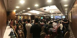 """Hơn 300 game thủ """"bao vây"""" sân khấu offline Lineage 2 Revolution tại TP. Hồ Chí Minh"""