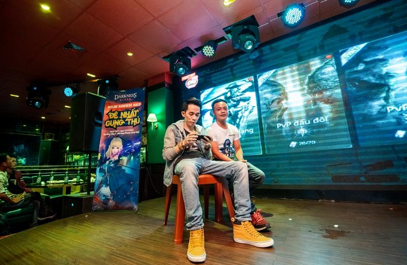 Game thủ Hà Thành bùng nổ với buổi offline hoành tráng của Darkness Rises Mobile 9