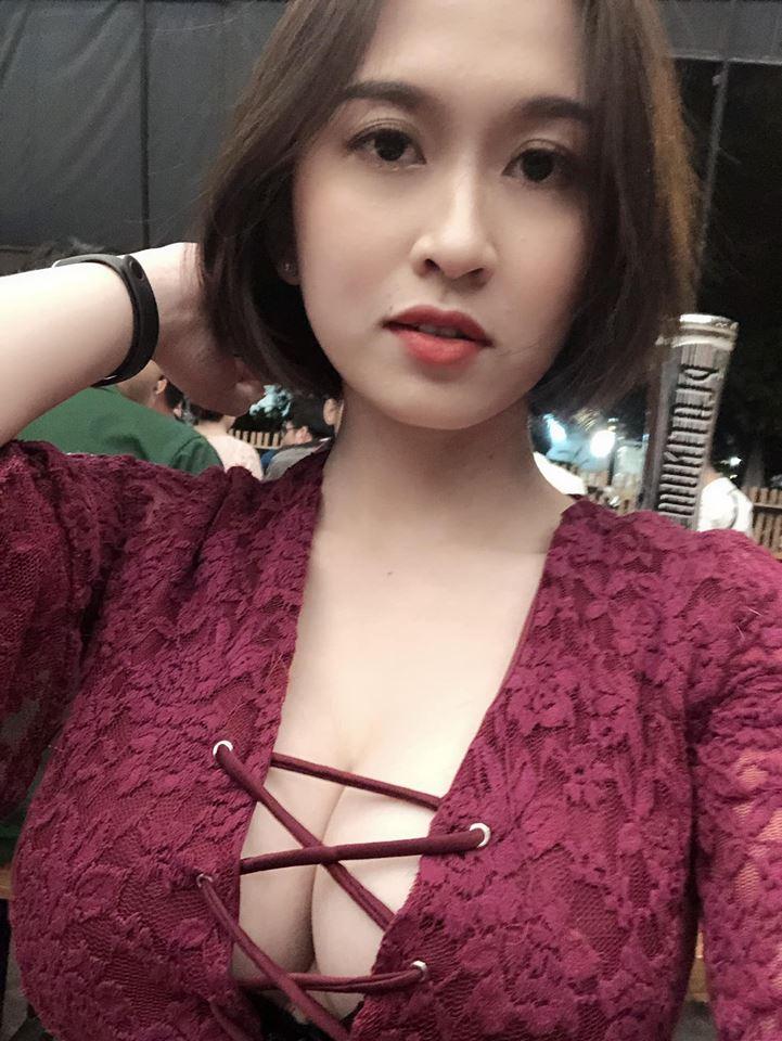 Ngỡ ngàng vì nữ game thủ Kiếm Thế Mobile VNG xinh chẳng kém các hotgirl 1