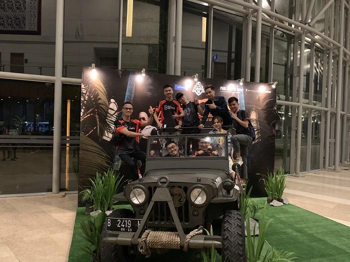 Hai đội tuyển PUBG Mobile Việt Nam đã có mặt tại Indonesia chuẩn bị cho giải chung kết PMCO 2019 Đông Nam Á 2