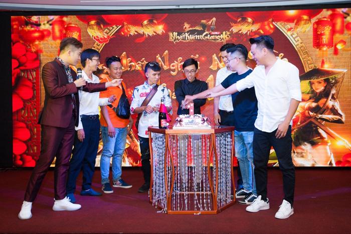 Nhất Kiếm Giang Hồ tổ chức sinh nhật thành công ở Sài Thành 1
