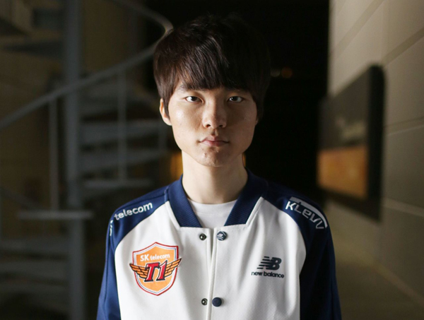 https://s3.cloud.cmctelecom.vn/2game-vn/pictures/images/2015/6/16/faker_2.jpg