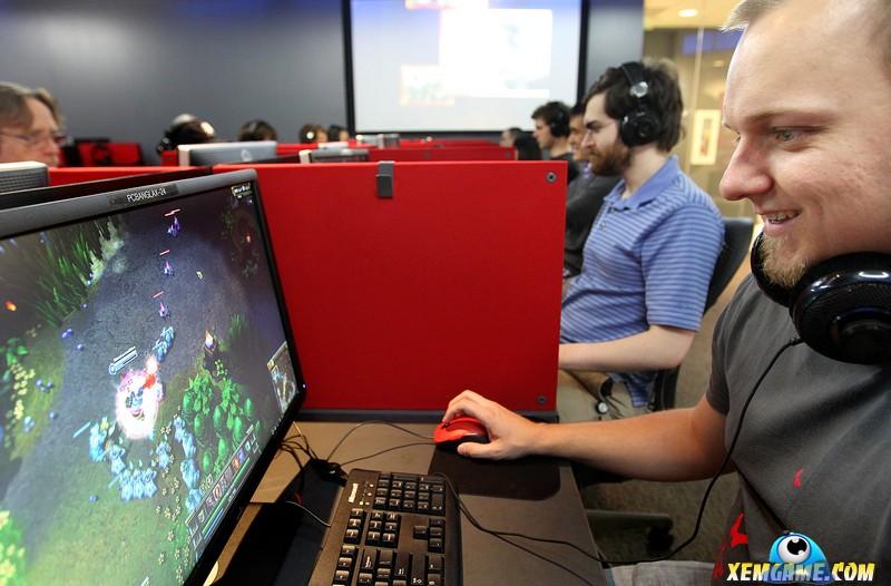 Game thủ sung sướng khi trường bổ sung 4 giờ học môn eSports mỗi tuần