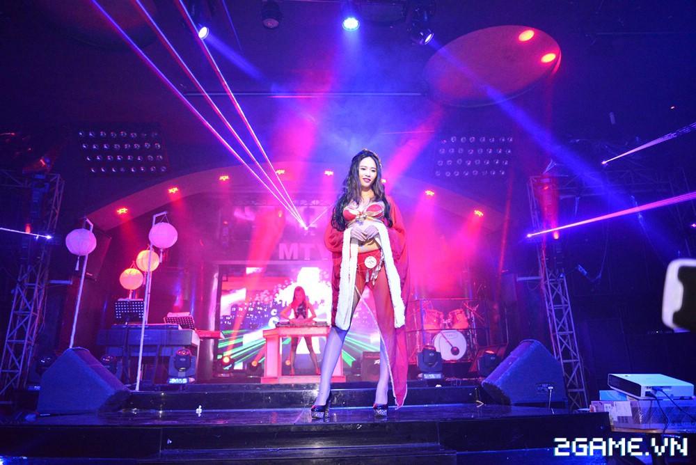 Trang Moon, Minh Hằng quậy tưng bừng trong sự kiện ra mắt game Hoa Thiên Cốt Web 9
