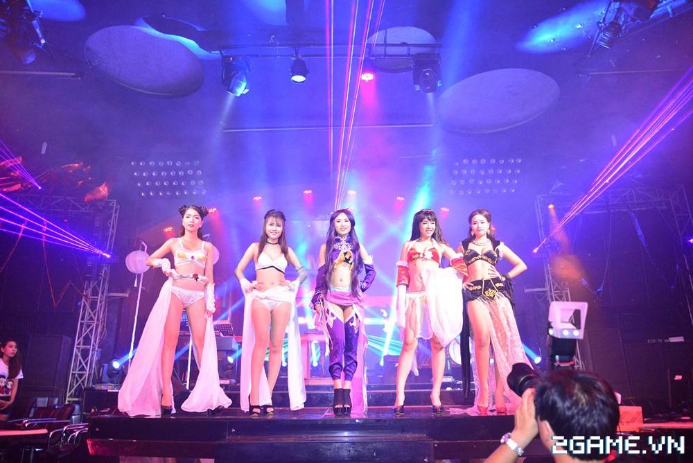 Trang Moon, Minh Hằng quậy tưng bừng trong sự kiện ra mắt game Hoa Thiên Cốt Web 10