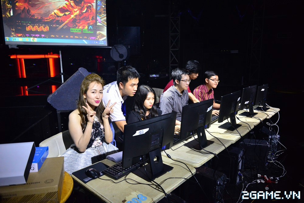 Trang Moon, Minh Hằng quậy tưng bừng trong sự kiện ra mắt game Hoa Thiên Cốt Web 7