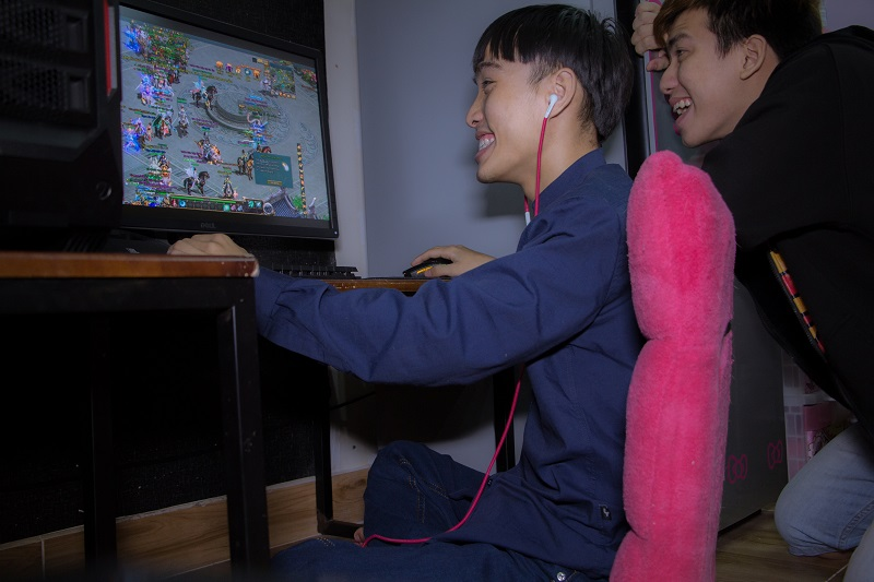 Khi thánh chế Củ Tỏi… chơi game Ngạo Kiếm Vô Song 2