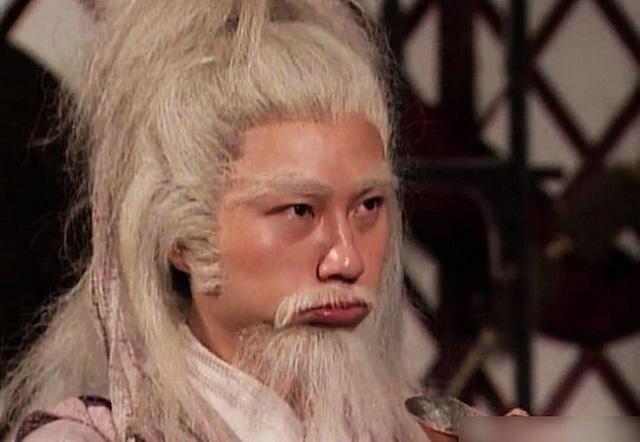 Sặc cười khi võ công Kim Dung trong phim chưởng bị dùng sai mục đích 4