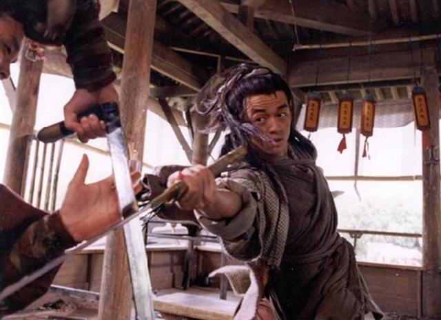 Sặc cười khi võ công Kim Dung trong phim chưởng bị dùng sai mục đích 14