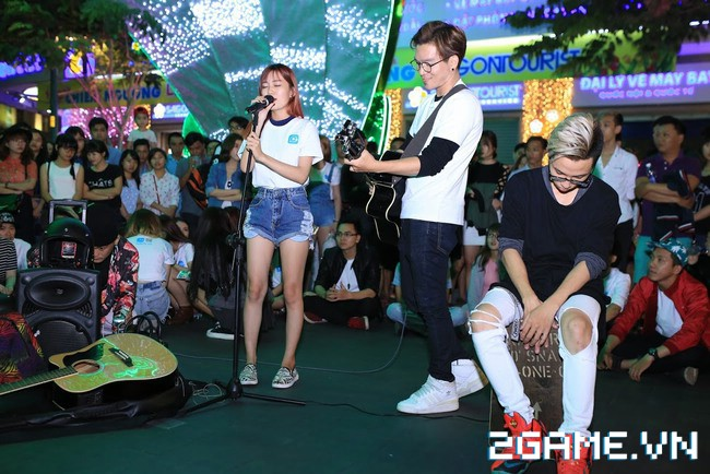 Idol TalkTV 'đại náo' Phố Đi Bộ Nguyễn Huệ 3