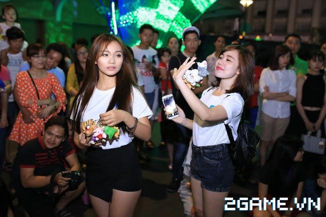 Idol TalkTV 'đại náo' Phố Đi Bộ Nguyễn Huệ 4