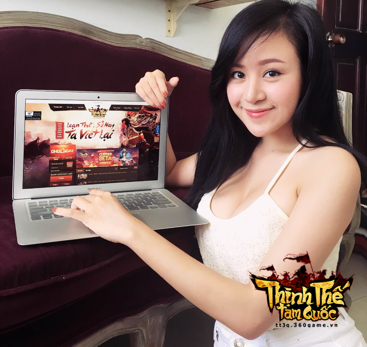 Bà Tưng cũng lần mò chơi webgame Thịnh Thế Tam Quốc 2