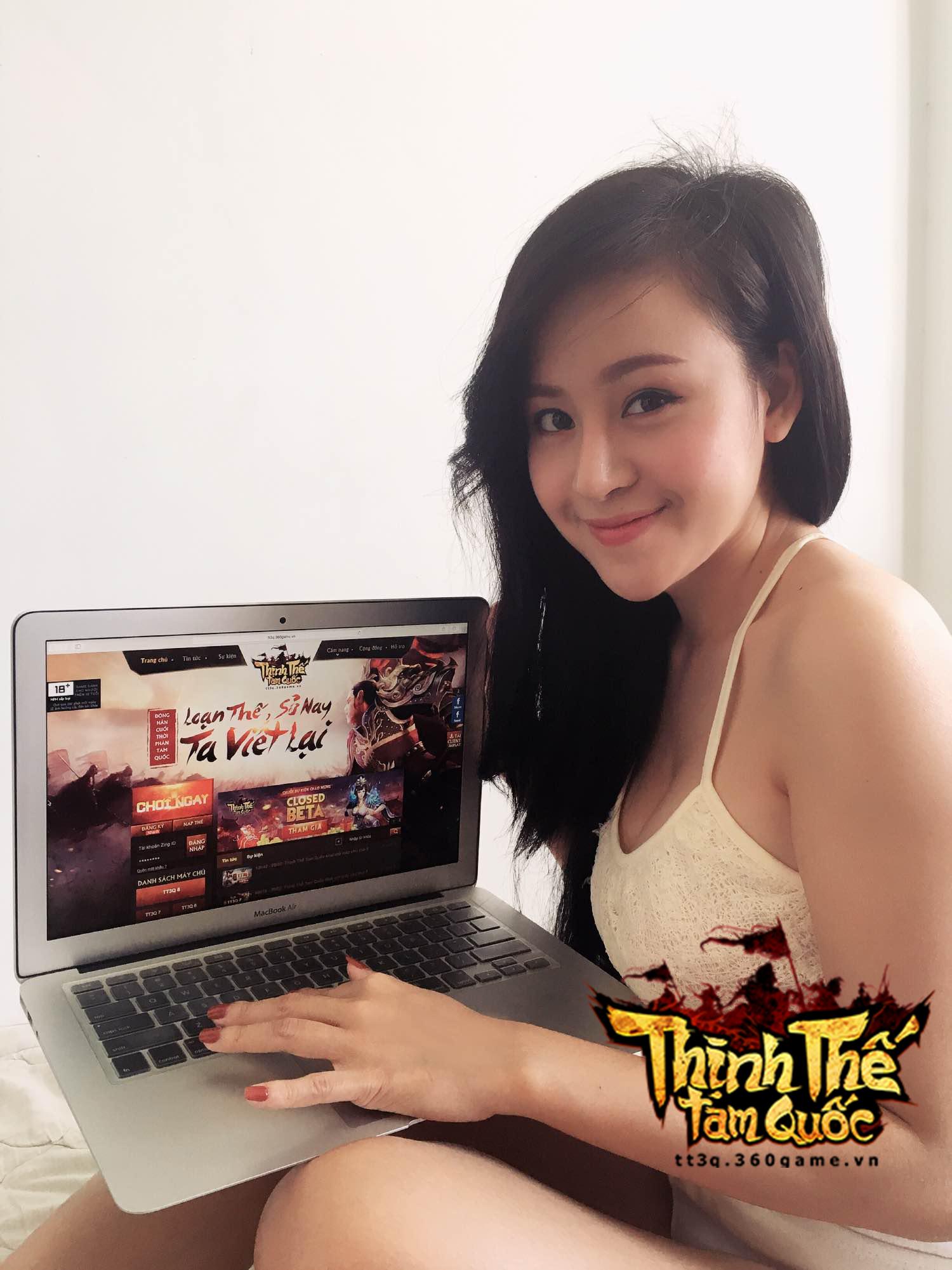 Bà Tưng cũng lần mò chơi webgame Thịnh Thế Tam Quốc 1