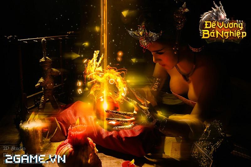 Lilly Luta khoe đường cong bốc lửa trong bộ cosplay Đế Vương Bá Nghiệp 8