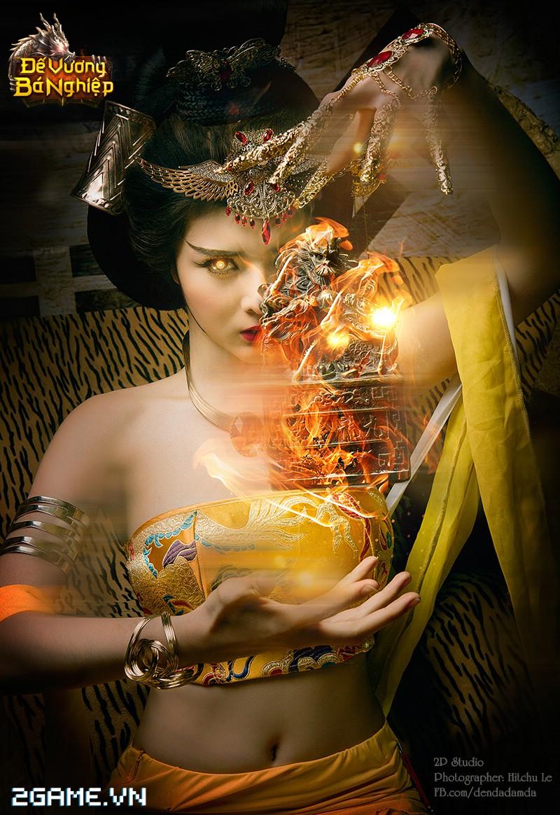 Lilly Luta khoe đường cong bốc lửa trong bộ cosplay Đế Vương Bá Nghiệp 9