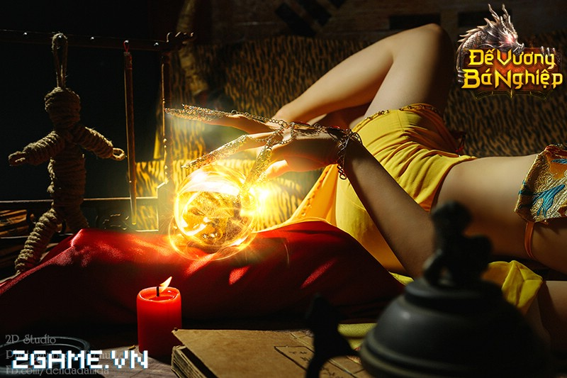Lilly Luta khoe đường cong bốc lửa trong bộ cosplay Đế Vương Bá Nghiệp 7