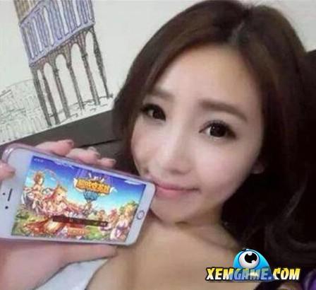 Kỳ quặc chuyện nữ game thủ dùng ngực để quảng bá game online 6