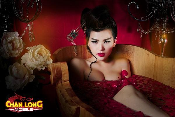 Chân Long Mobile - Thánh Nữ Phi Huyền Trang hóa thân Tô Đát Kỷ đoạt hồn game thủ 1