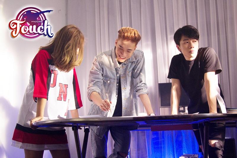 Touch Mobile - Rò rỉ hình ảnh MV mới của Nam Vương Bước Nhảy Hoàn Vũ 2016 hợp tác cùng GAMOTA 0