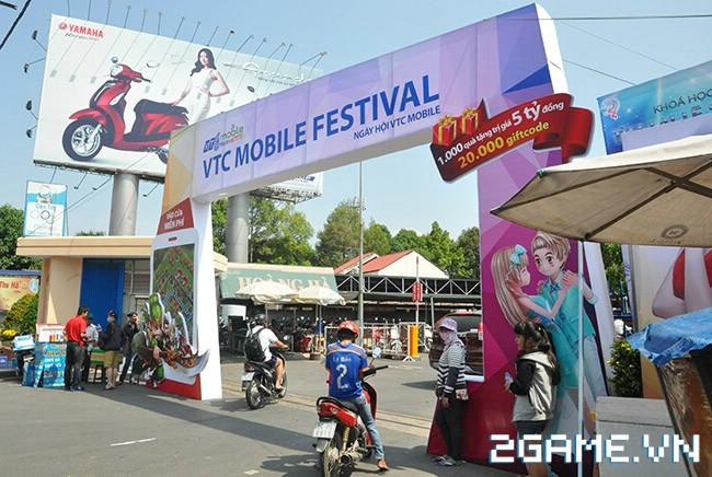 Huyền Thoại MOBA - Hàng ngàn game thủ đội nắng tham dự VTC Mobile Festival 0