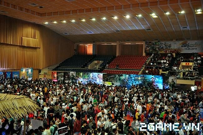 Huyền Thoại MOBA - Hàng ngàn game thủ đội nắng tham dự VTC Mobile Festival 1