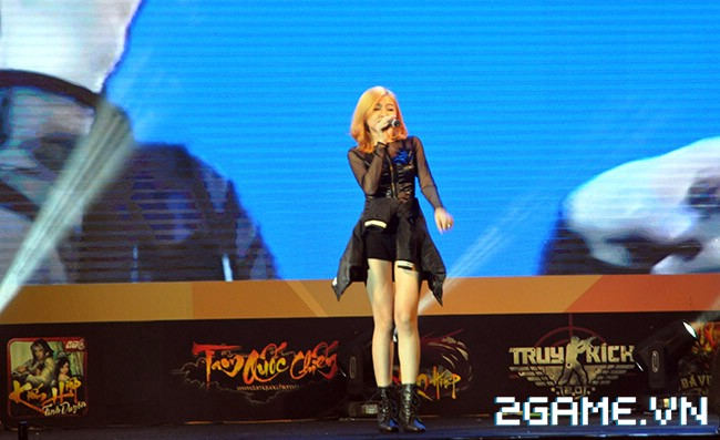 Huyền Thoại MOBA - Hàng ngàn game thủ đội nắng tham dự VTC Mobile Festival 4