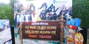 Offline Tiếu Ngạo Giang Hồ Mobile ở Sài Gòn không thể nóng hơn với màn PK lột đồ