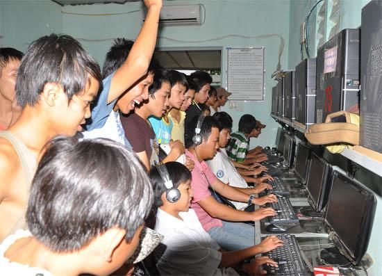 """Mạng LAN - """"Bài ca không quên"""" của game thủ Việt 5"""