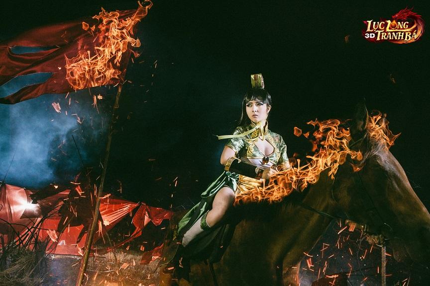 Lilly Luta tung ảnh cosplay cực chất mừng Lục Long Tranh Bá 3D ra server mới 2