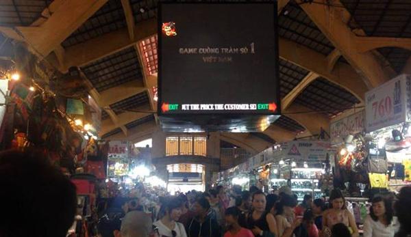 Long Tướng 3D - Ngỡ ngàng khi trailer game online bất ngờ xuất hiện giữa chợ Bến Thành 1