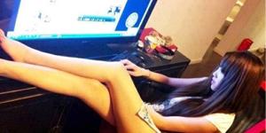 """Chinh Đồ Mobile – Nữ game thủ dính nghi án """"đại gia chống lưng"""" khi diện set đồ + 20 đầu tiên"""