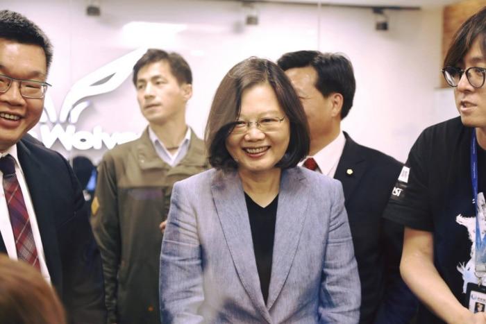 Tổng thống Đài Loan đích thân đến chúc mừng đội tuyển Flash Wolves