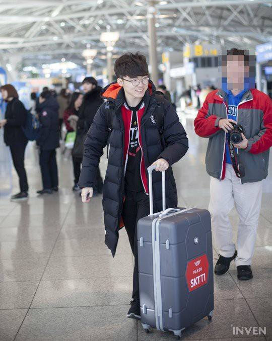 Faker lo lắng có anti-fan khi được nói giống với diễn viên Lee Jong Seok