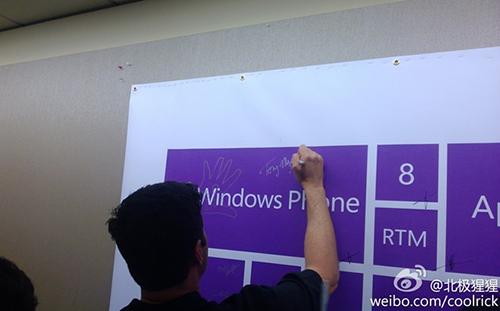640x398xwindows-phone-8-rtm_thumb.jpg.pagespeed.ic.xd5v0OdW8c.jpg