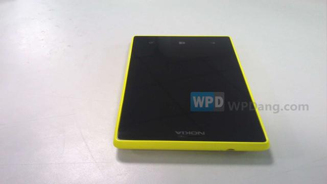 Lumia-830-3.jpg
