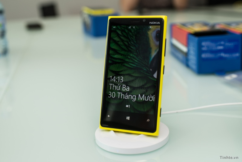 Đế sạc đứng không dây cho Lumia (DT-910) | DCmobile.vn