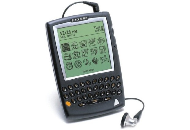 blackberry-5810-1359142237.jpg