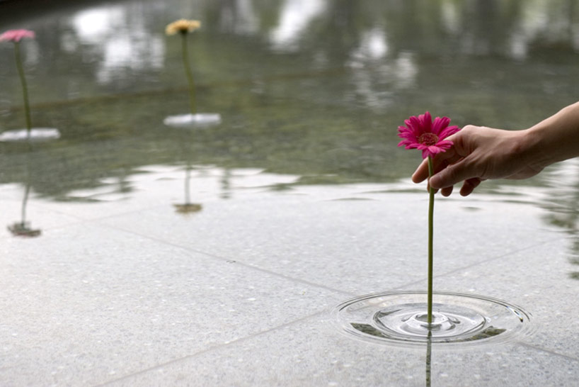 floating_vase_1.jpg